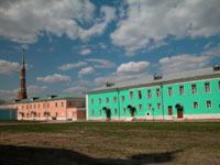 Вид на отреставрированную часть монастыря