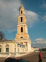 Колокольня церкви Иоанна Богослова на закате